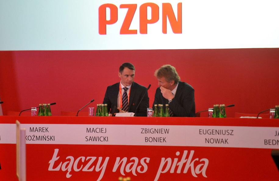 Zbigniew Boniek i sekretarz PZPN Maciej Sawicki /Bartłomiej Zborowski /PAP
