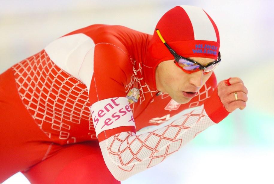 Zbigniew Bródka zajął drugie miejsce w wyścigu w Berlinie /HANNIBAL HANSCHKE /PAP/EPA