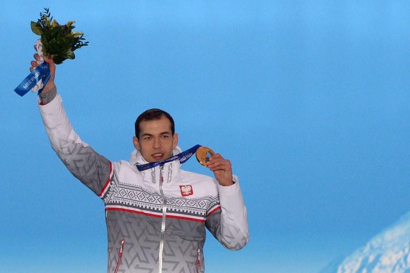 Zbigniew Bródka ze złotym medalem w Soczi /AFP