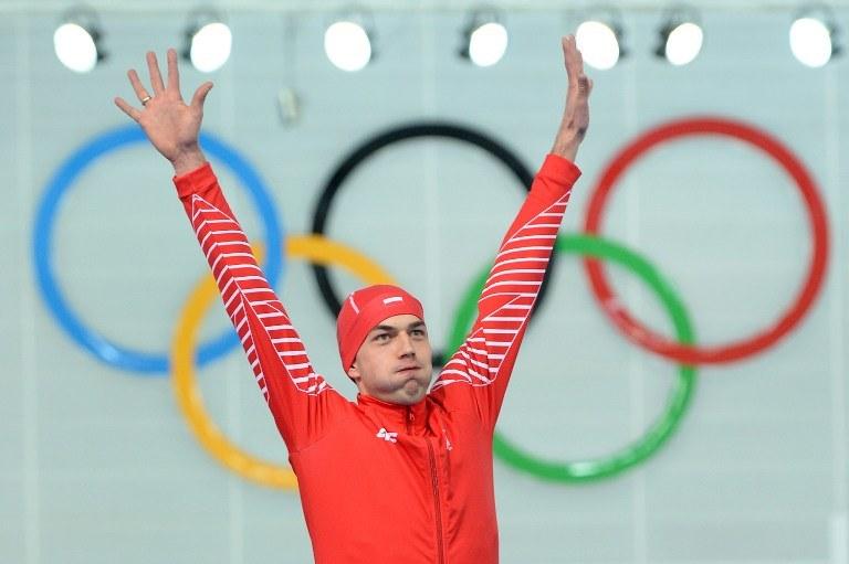 Zbigniew Bródka, złoty medalista olimpiady w Soczi w łyżwiarstwie szybkim. /JUNG YEON-JE /AFP