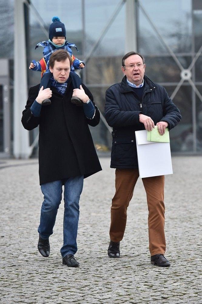 Zbigniew Buczkowski z synem i wnukiem /- /East News