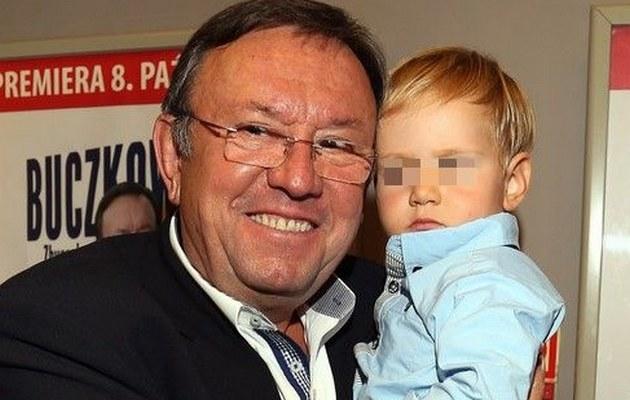 Zbigniew Buczkowski z wnukiem /- /East News