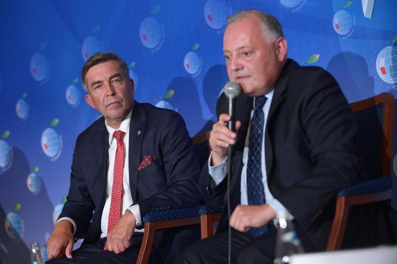 Zbigniew Gryglas (L) odchodzi z Ministerstwa Aktywów Państwowych /Marcin Obara /PAP