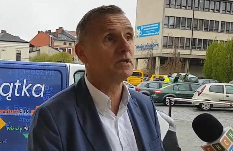 Zbigniew Starzec uległ wypadkowi, ma połamane żebra, przez co zrezygnował ze starania o fotel prezesa PZHL-u /INTERIA.PL