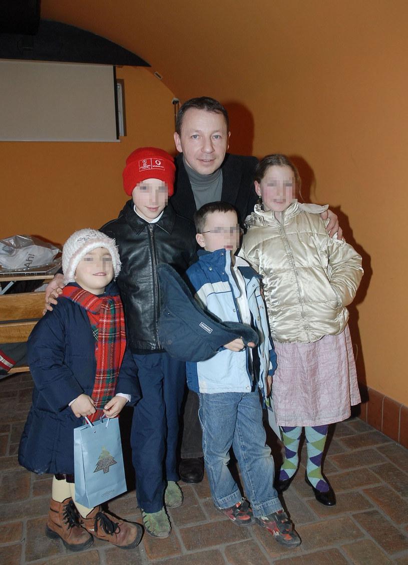 Zbigniew Zamachowski z dziećmi (Zdjęcie archiwalne) /East News