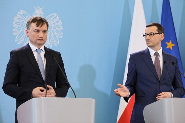 Zbigniew Ziobro i Mateusz Morawiecki / Leszek Szymański    /PAP