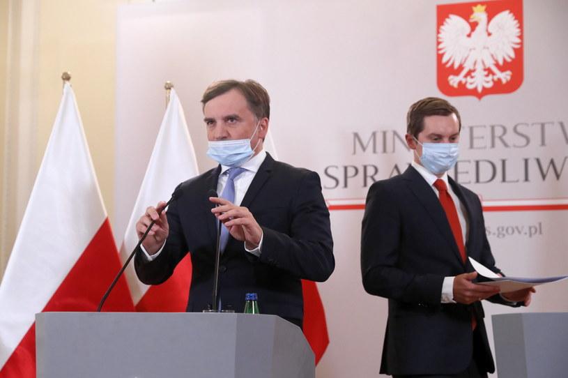 Zbigniew Ziobro i Sebastian Kaleta /Tomasz Gzell /PAP