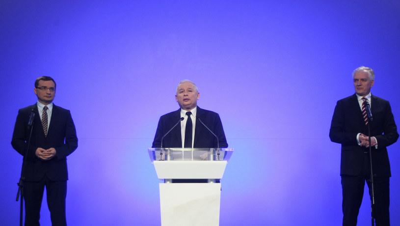 Zbigniew Ziobro, Jarosław Kaczyński i Jarosław Gowin /Michal Dyjuk /Reporter