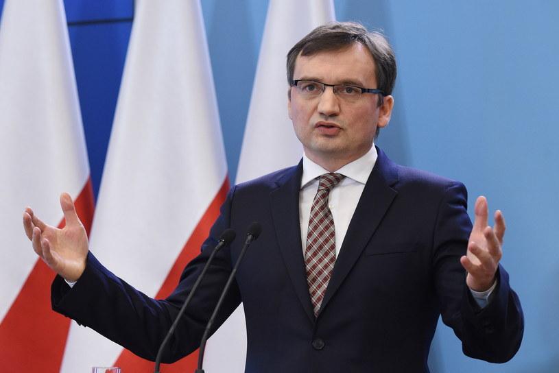 Zbigniew Ziobro zwrócił się do Trybunału Konstytucyjnego /Radek Pietruszka /PAP