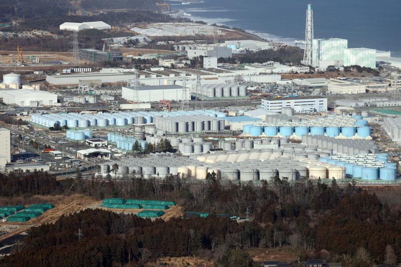 Zbiorniki zawierające zanieczyszczoną wodę w elektrowni jądrowej Fukushima Daiichi /JIJI PRESS JAPAN /PAP/EPA