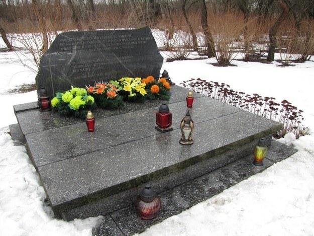 Zbiorowy grób ofiar katastrofy /RMF FM