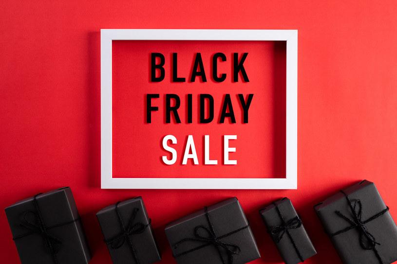 Zbliża się Black Friday. Sklepy wprowadzą liczne promocje, wyprzedaże i superokazje /123RF/PICSEL