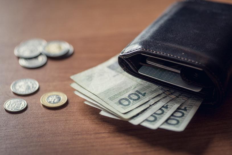 Zbliżająca się zła sytuacja gospodarcza wepchnie wielu Polaków w łapy mafii pożyczkowej. /123RF/PICSEL