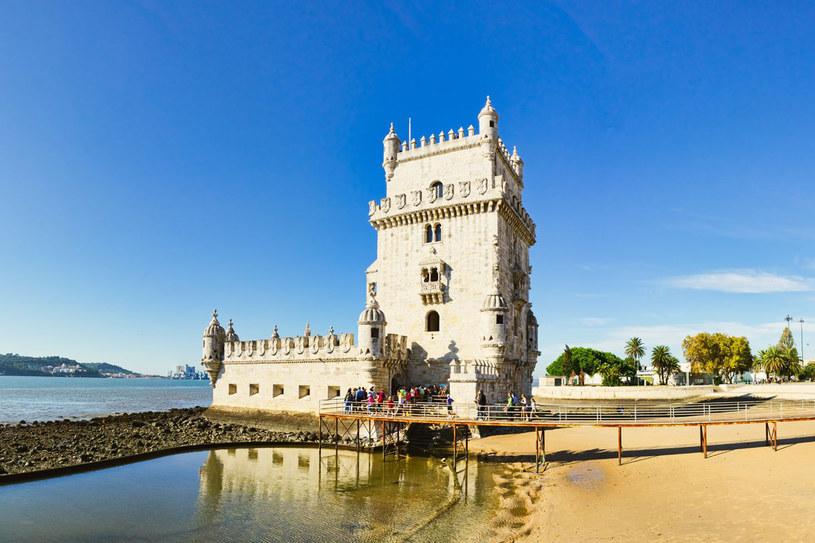 Zbudowana w latach 1515-20 u wejścia do portu w Lizbonie wieża Belém stała się symbolem nie tylko miasta, ale i wieku portugalskich odkryć geograficznych /123RF/PICSEL