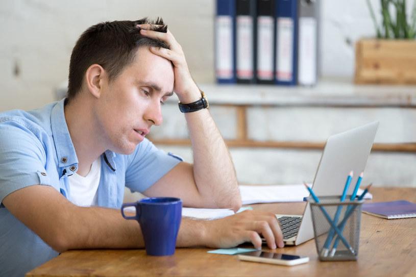 Zbyt długi sen może pogarszać koncentrację i samopoczucie /123RF/PICSEL