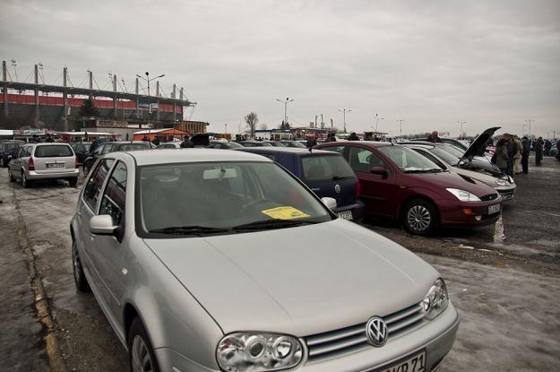 Zbyt szybka sprzedaż auta niesie pewne konsekwencje / Fot: Dziurek /Reporter