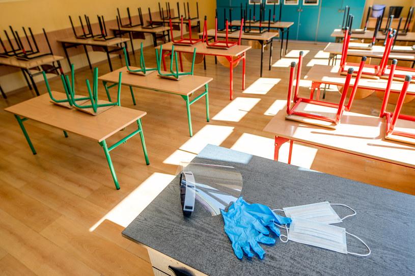 Zdalne nauczanie w szkołach /Daniel Dmitriew /Agencja FORUM