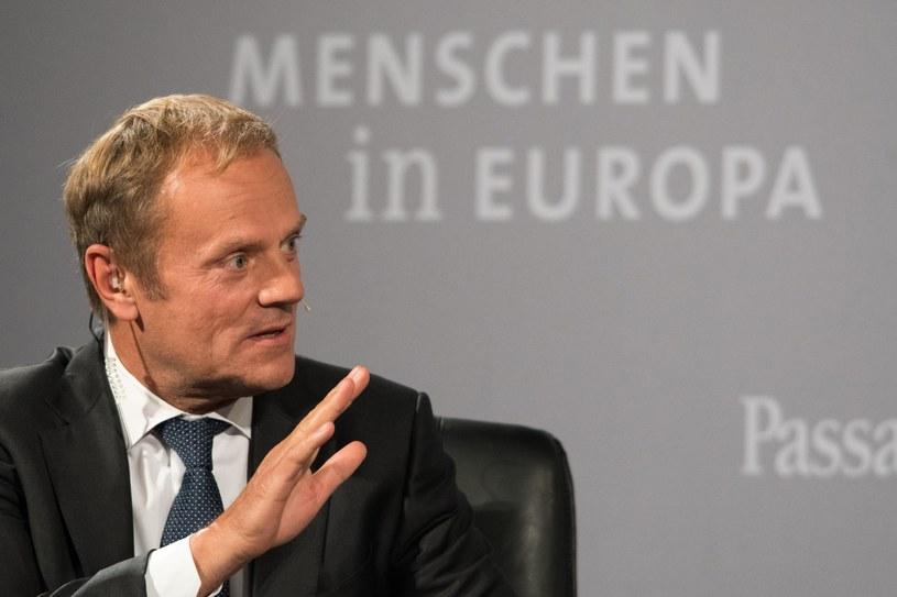 """Zdaniem Donalda Tuska, wielu europejskich polityków popełniło """"typowy zachodnioeuropejski błąd"""", zapraszając Rosję do uregulowania sytuacji w Syrii /PAP/EPA"""