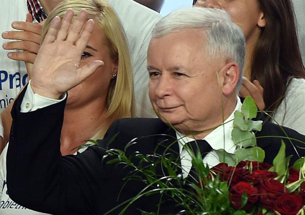 """Zdaniem gazety J. Kaczyński umiejętnie wykorzystał lęki w polskim społeczeństwie przed """"zagrożeniem rosyjskim"""" /Wojtek Radwański /AFP"""