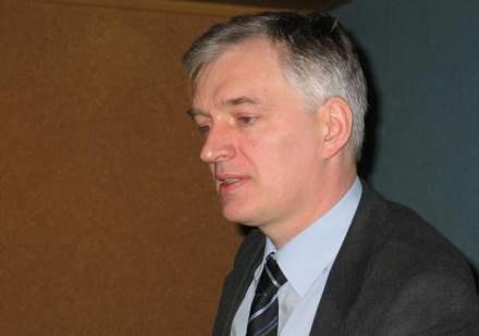 Zdaniem Jarosława Gowina lustracja jest nieuchronna /RMF