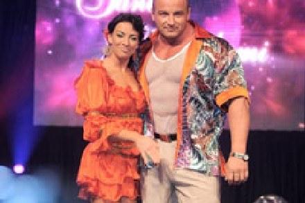 Zdaniem Kozłowskiego nie da się bez wspomagania wyglądać jak Pudzian. Ale można jak on tańczyć... /MWMedia