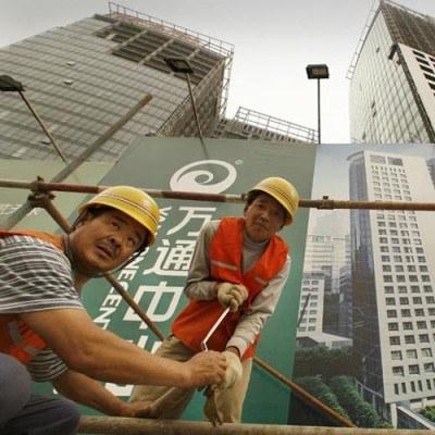 Zdaniem przedstawicieli branży, Chińczycy zabierają nie tylko kontrakty, ale i miejsca pracy /AFP
