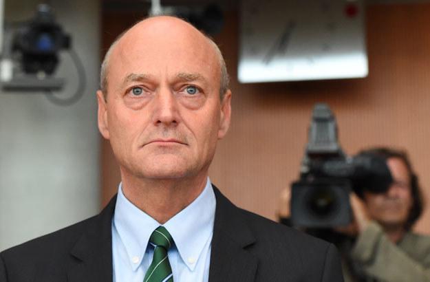 Zdaniem telewizji ARD urząd kanclerski uznał, że Gerhard Schindler nie panuje nad służbami /AFP