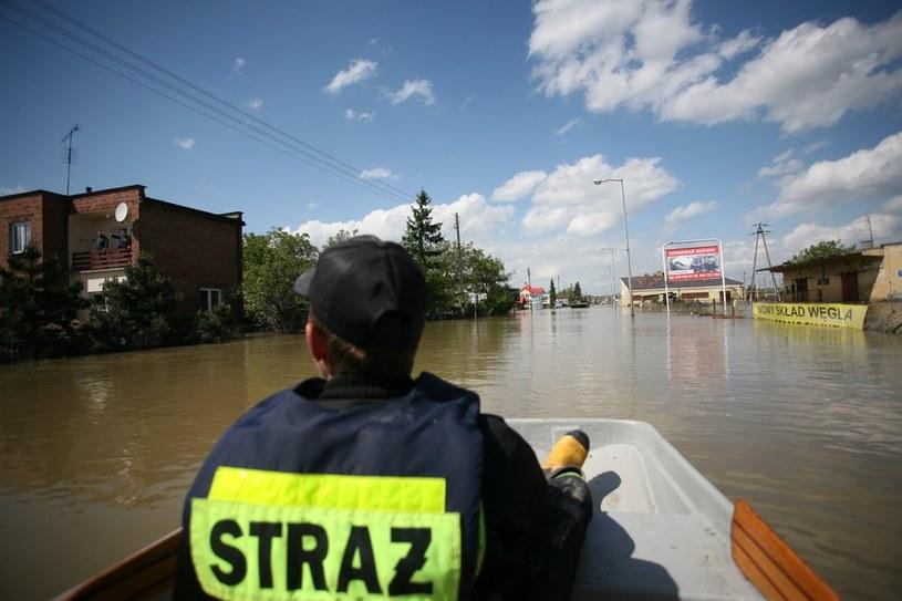 Zdaniem Trzaskowskiego, rząd wyciągnął lekcję po powodzi z 2010 roku. /JOLA LIPKA /East News