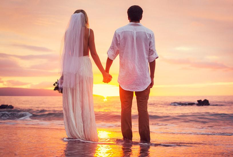 Zdarza się, że małżonkowie nie są wobec siebie do końca szczerzy. We wspólnym życiu nie powinno być jednak miejsca na kłamstwa. Zwłaszcza w ważnych sprawach /123RF/PICSEL