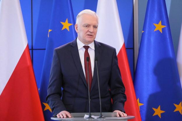 Zdecydowałem o zawieszeniu zajęć dydaktycznych na uczelniach w terminie od 12 marca do 25 marca - poinformował w środę wicepremier, szef resortu nauki Jarosław Gowin /Paweł Supernak /PAP