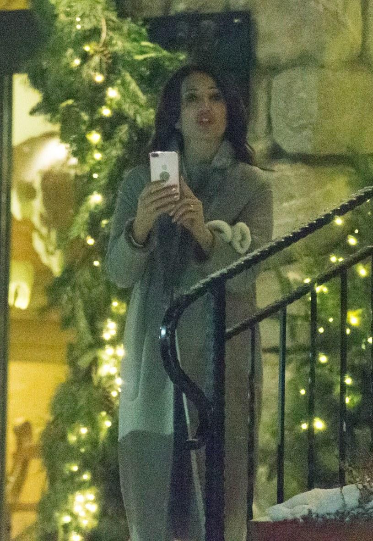 Zdenerwowana Justyna zaczęła nagrywać paparazzich /- /Foto IP
