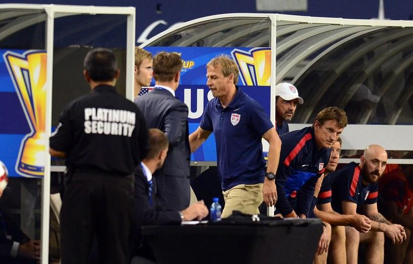 Zdenerwowany Juergen Klinsmann schodzi do szatni /AFP