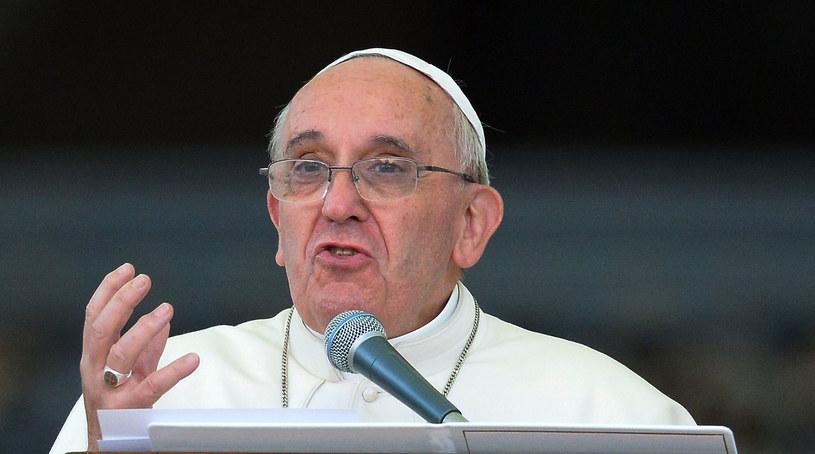 """Zdeprawowani chrześcijanie, zdeprawowani księża... Ileż zła oni przynoszą Kościołowi"""" - powiedział Franciszek w kazaniu. /AFP"""