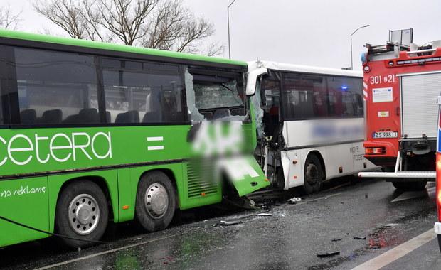 Zderzenie autobusów w Szczecinie. Ponad 20 poszkodowanych żołnierzy