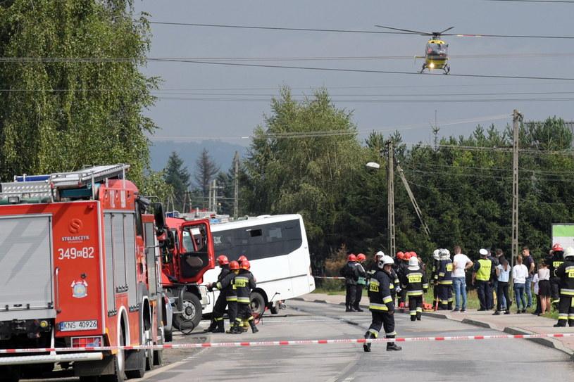 Zderzenie autobusu z ciężarówką w Świniarsku koło Nowego Sącza / Grzegorz Momot    /PAP