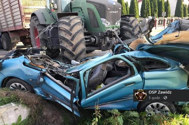 Zderzenie ciągnika rolniczego z samochodem osobowym. /Facebook /