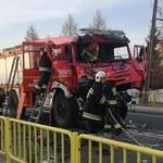 Zderzenie dwóch wozów strażackich. Cztery osoby ranne