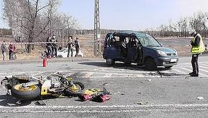 Zderzenie motocykla z osobówką. 18-latka zmarła w szpitalu
