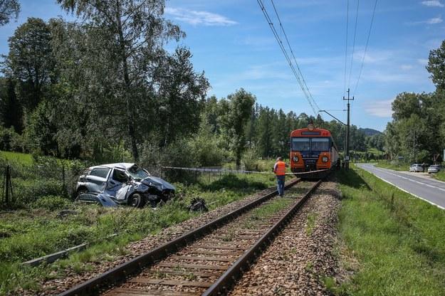Zderzenie samochodu osobowego z pociągiem (zdj. ilustracyjne) /Michal Adamowski /Reporter