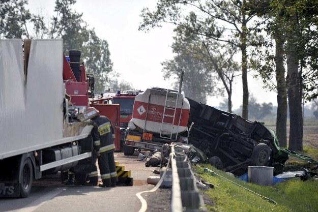 Zderzyły się auta wiozące niebezpieczne substancje /PAP