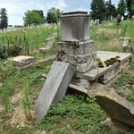 Zdewastowano groby na cmentarzu żydowskim w mieście Kaposvar