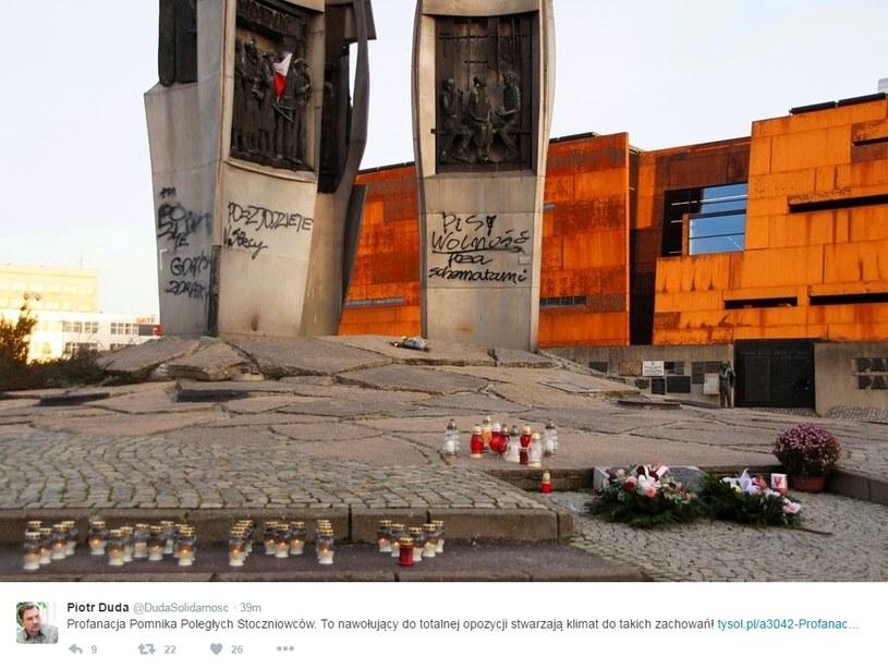 Zdewastowany pomnik, fot. Twitter /