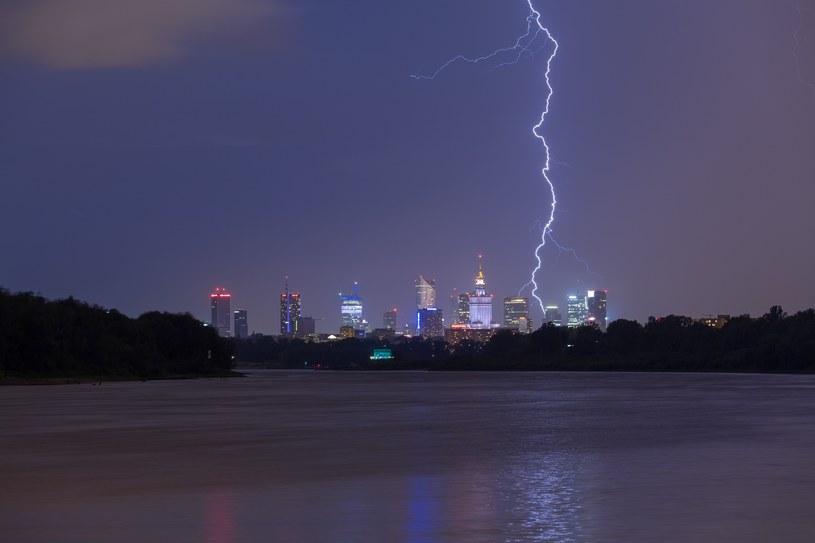 zdj. ilustracyjne; burza w Warszawie /ARKADIUSZ ZIOLEK /East News