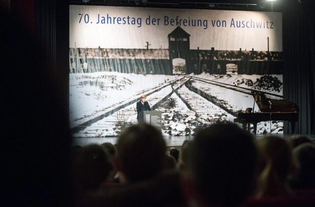 """Były więzień Auschwitz walczy z """"polskimi obozami"""""""
