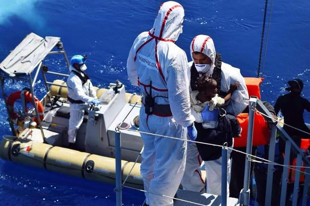 Na Morzu Śródziemnym zginęło 15 migrantów. Uratowano - prawie 3 tys.