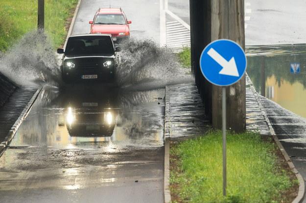 Pogoda: Pochmurny i deszczowy weekend, IMGW wydał ostrzeżenia