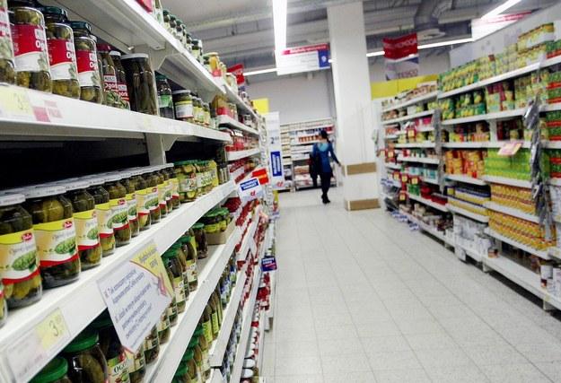 Szantażysta grozi zatruciem żywności w supermarketach. W tym przetworów dla dzieci