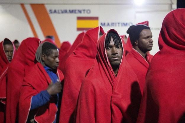 Hiszpańska straż przybrzeżna wyłowiła blisko 300 migrantów