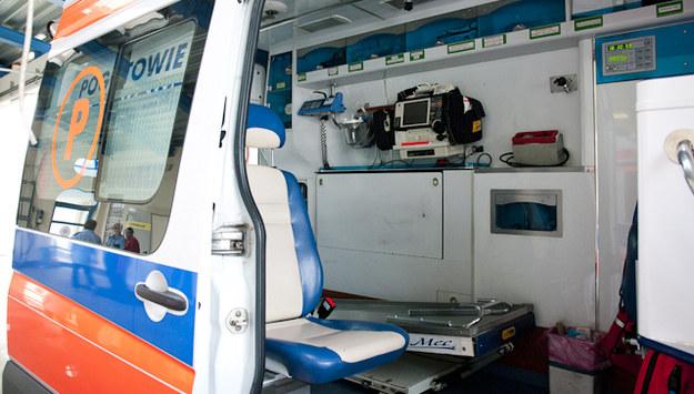Pijany 36-latek zaatakował załogę karetki i zniszczył sprzęt