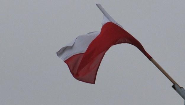 Spalono polską flagę przed ambasadą w Kijowie. MSZ wyraziło oburzenie